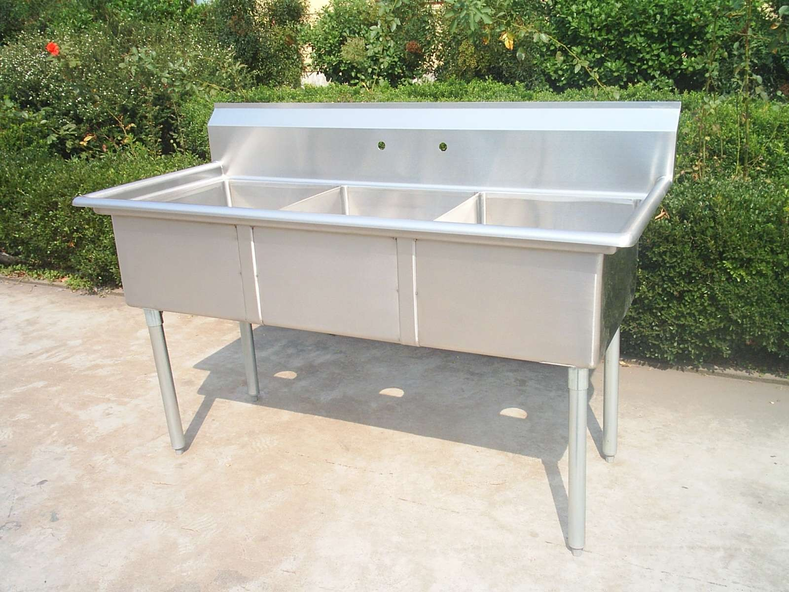 Stainless Steel Sink With Baffle Between 3 Compartments , no drainboards, meet with NSF standard